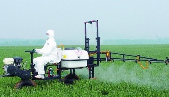 叶面肥与农药混用注意