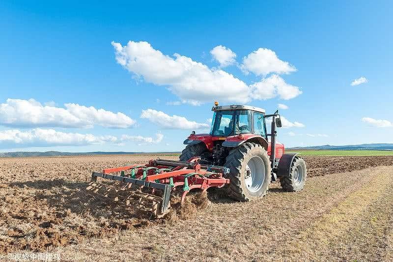 深耕与深施肥结合效果显著
